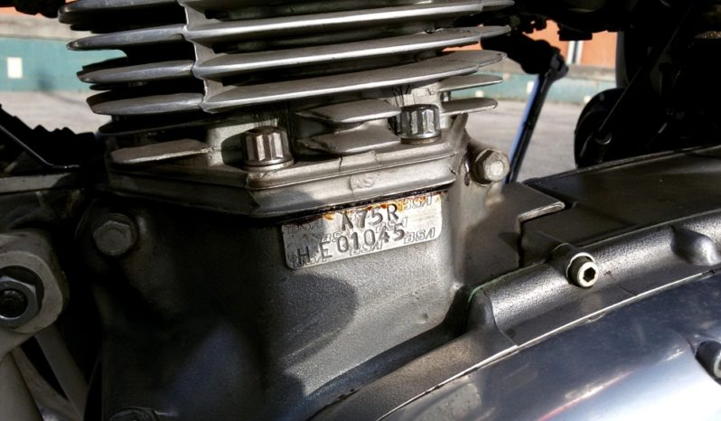 BSA A75 ROCKET 3 '71 completo