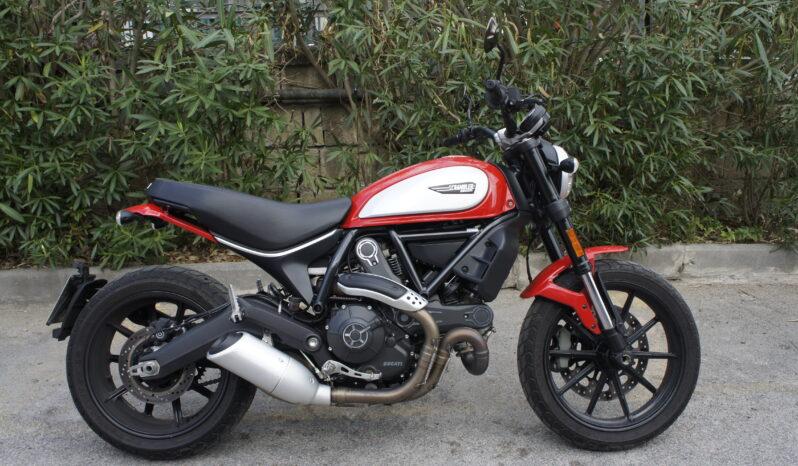 Ducati Scrambler 800 Icon completo