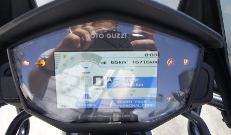 MOTO GUZZI V85 TT completo